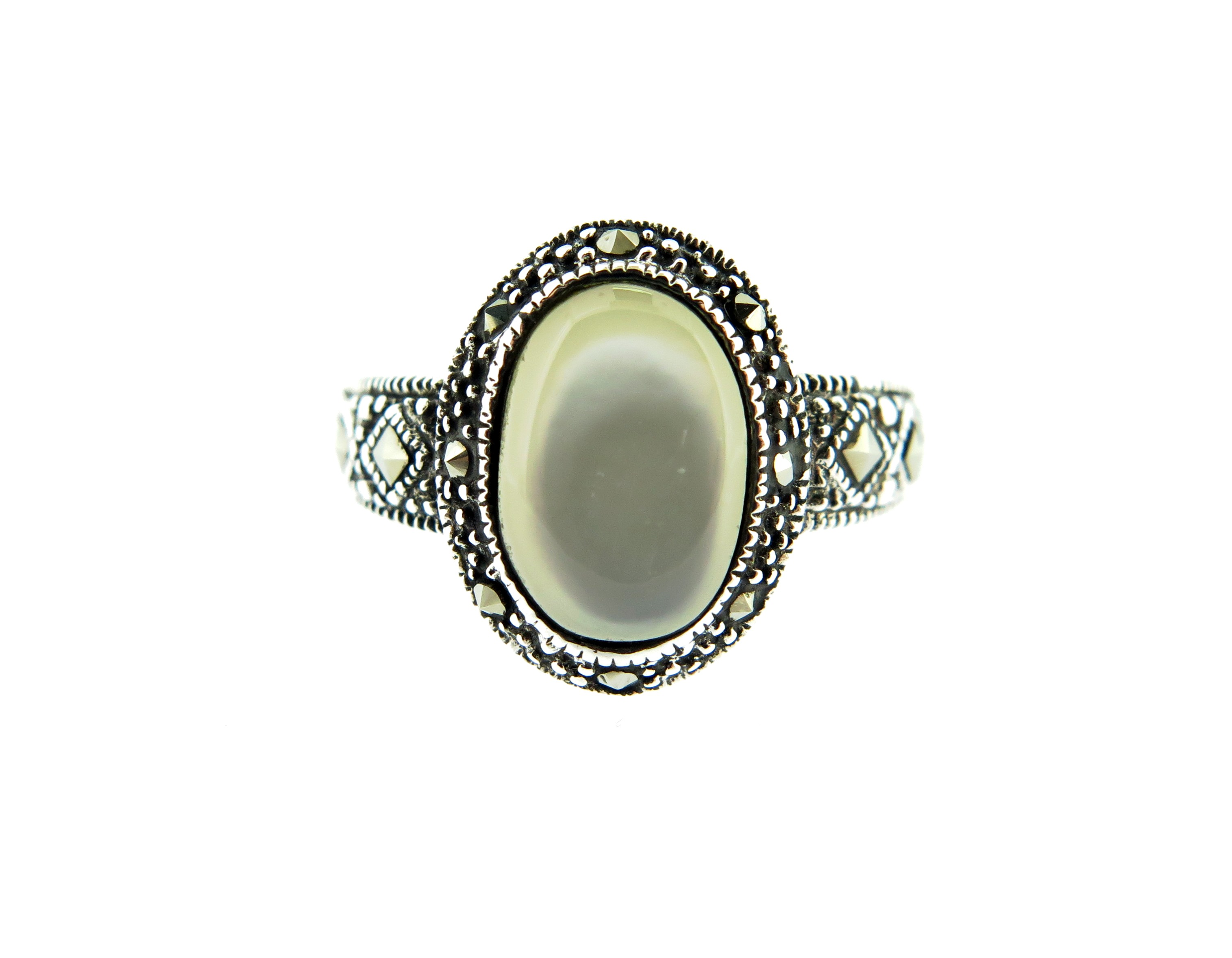 Mother of Pearl Ring MJ14097
