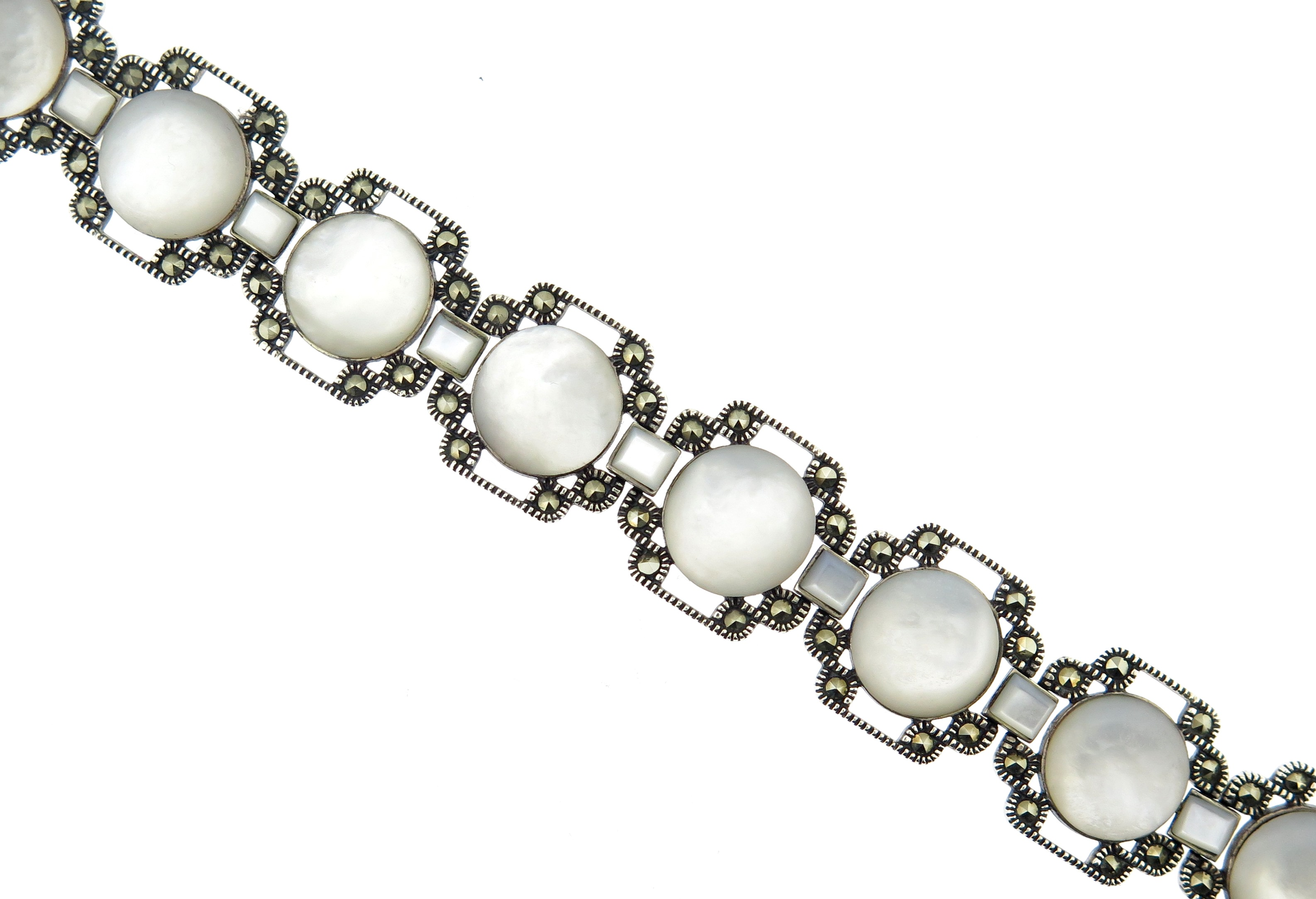 Mother-of-Pearl Bracelet MJ17432