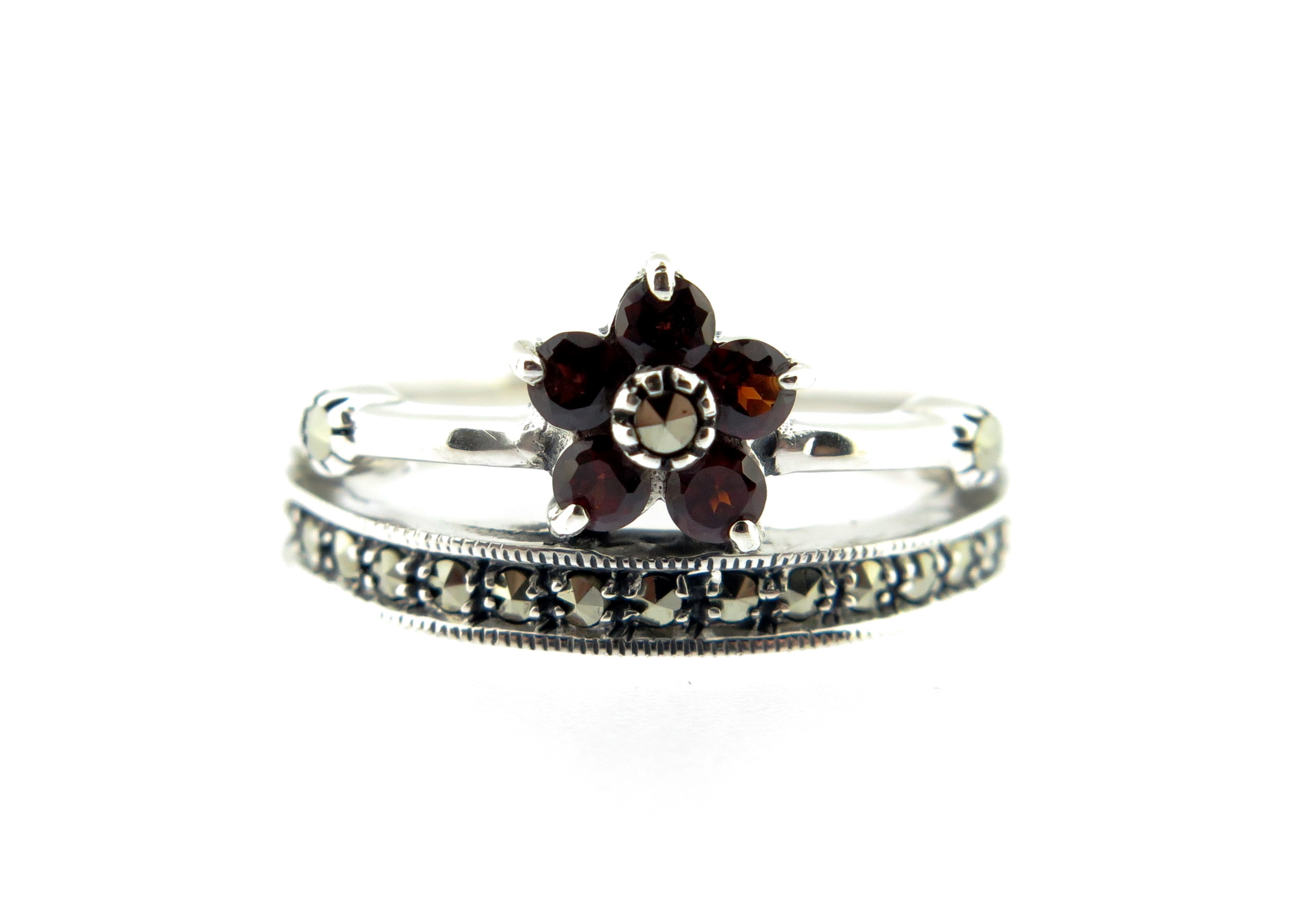 Garnet Flower Ring MJ17583