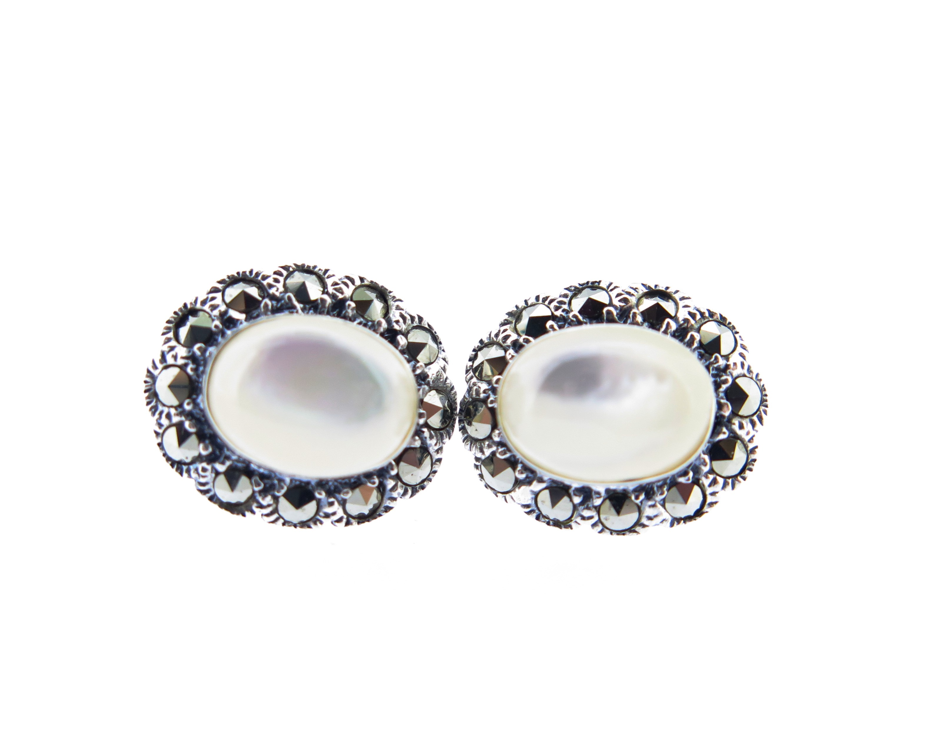 Mother-of-Pearl Earrings MJ19120