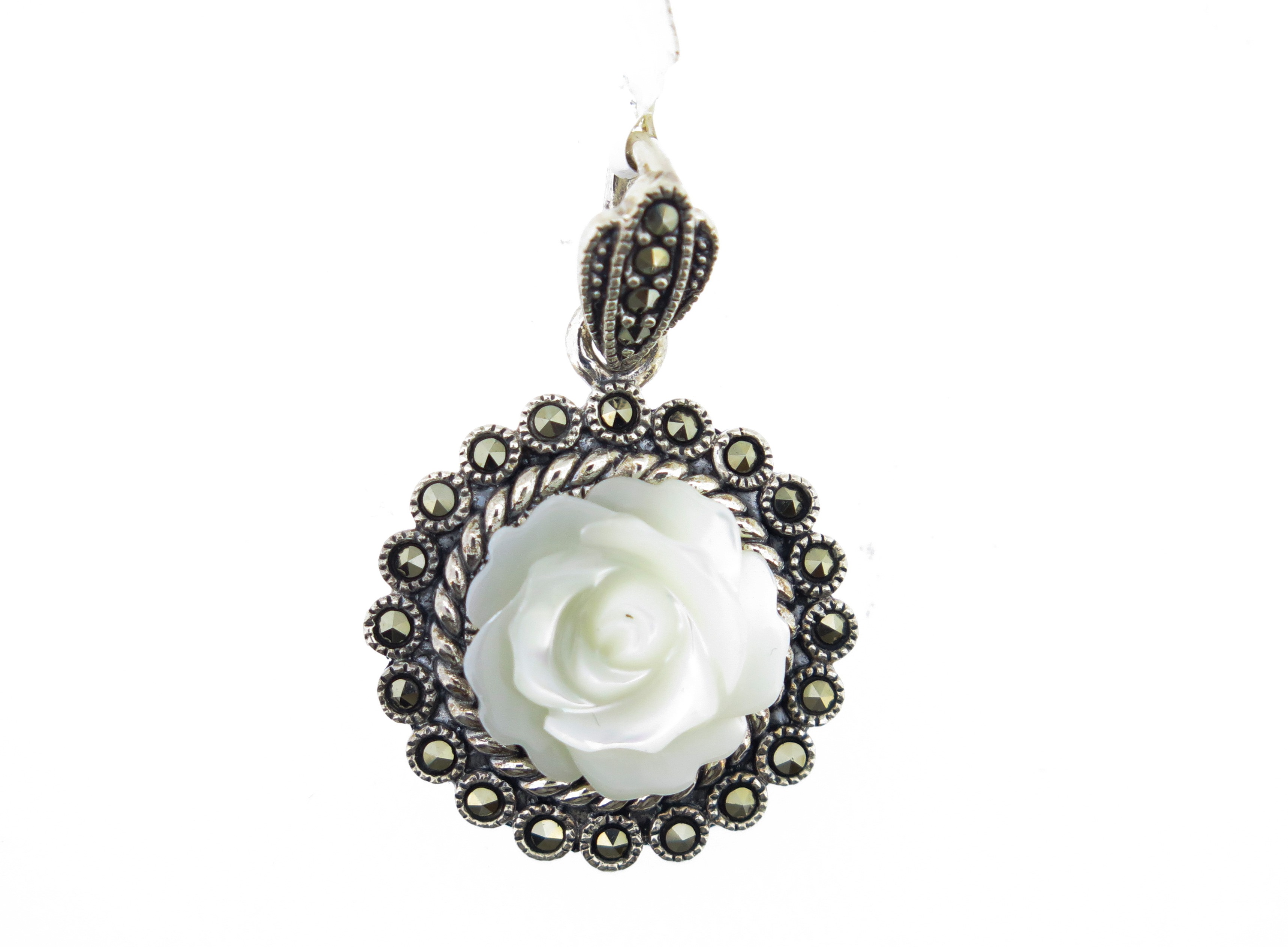 Carved Mother-of-Pearl Pendant MJ19274