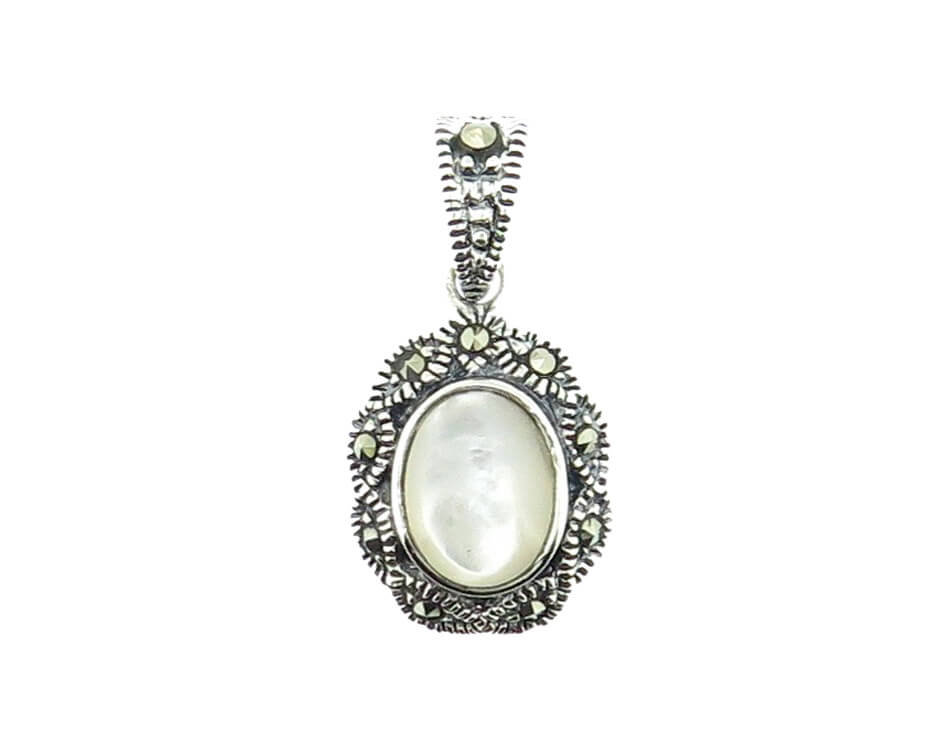 Mother of Pearl Pendant MJ20590
