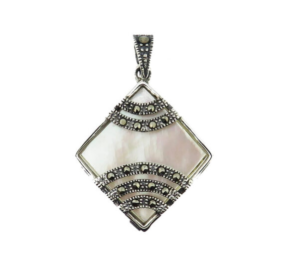 Mother of Pearl Pendant MJ20597