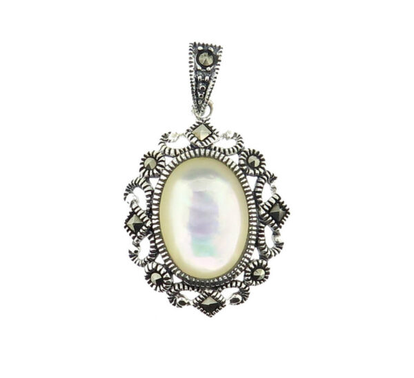 Mother of Pearl Pendant MJ20599