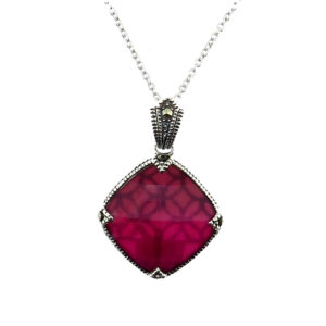 Raspberry Mother of Pearl Pendant on Chain MJ20729