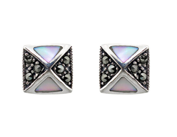 Mother-of-Pearl Studs MJ22762