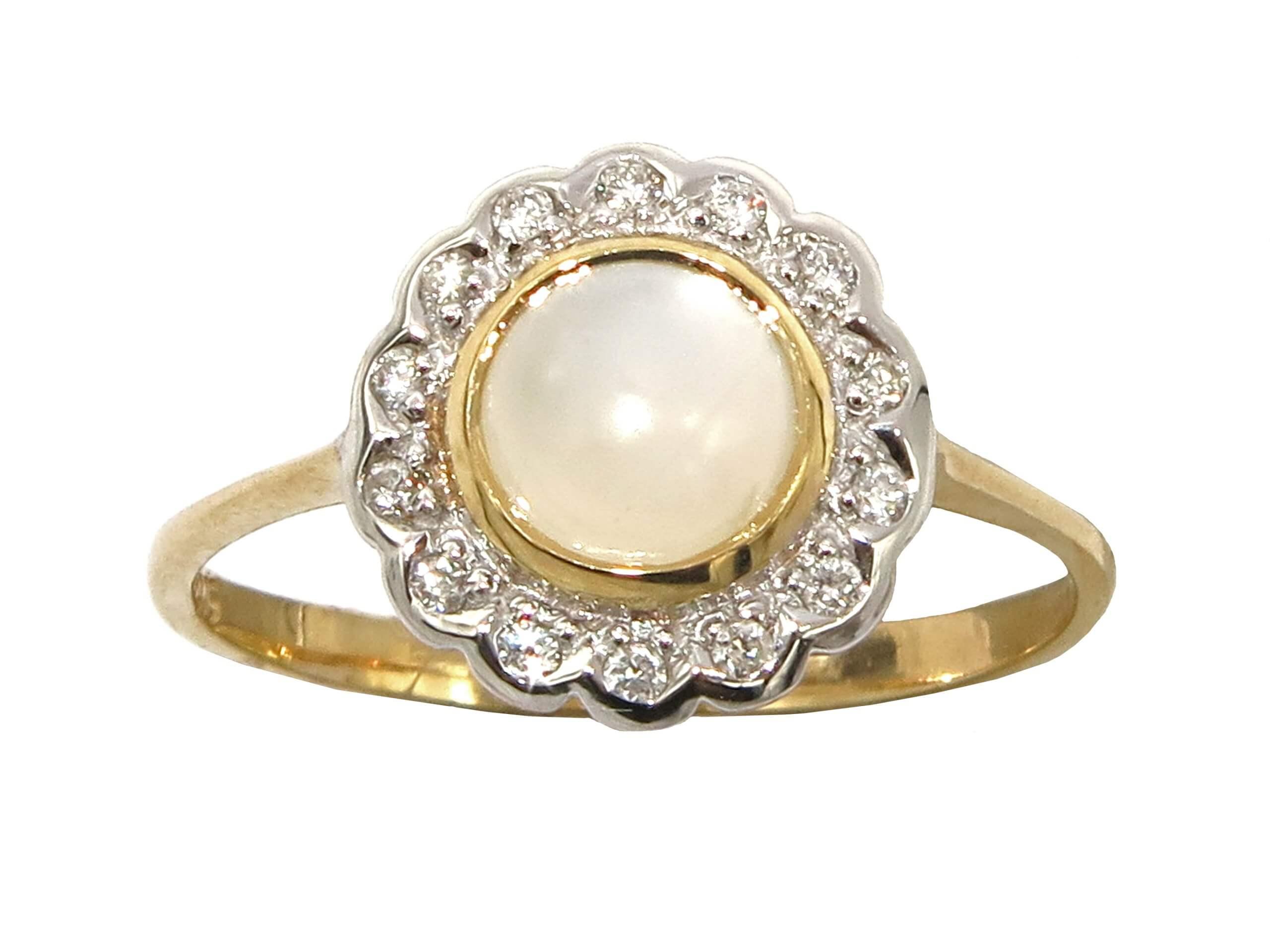 MOONSTONE AND DIAMOND RING MJ24390
