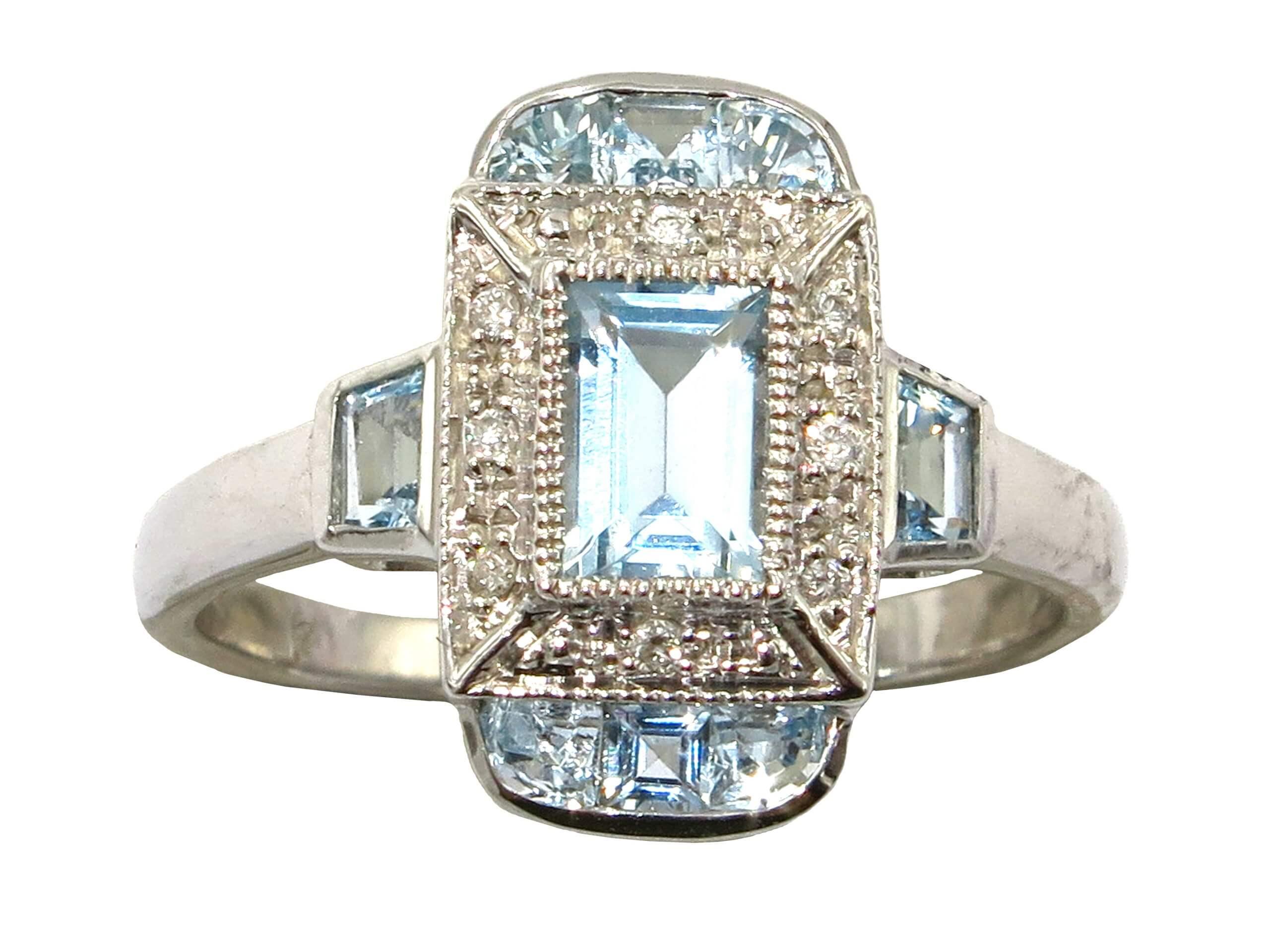 AQUAMARINE AND DIAMOND RING MJ24579